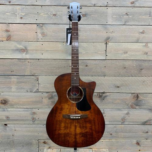 Eastman PCH GACE-CLA Solid Sitka Spruce Top, Laminated Back and Sides